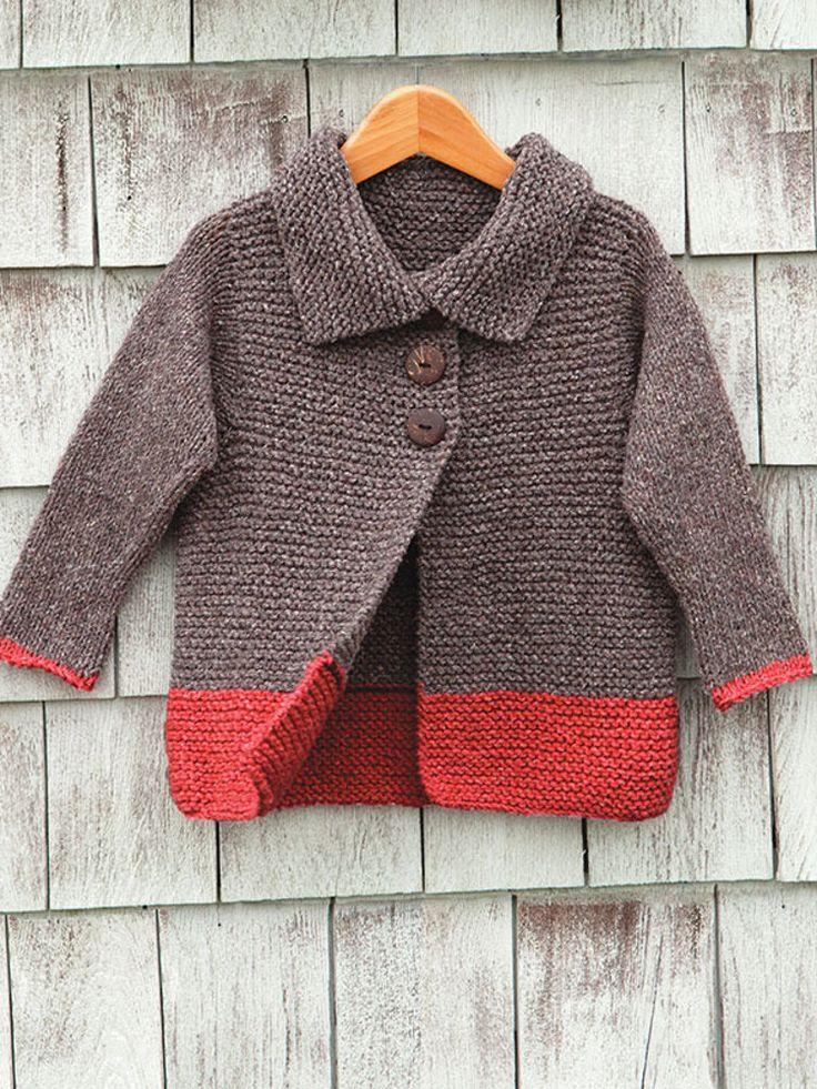 Un saco para niño unisexo tejido con 2 agujas en dos colores contrastes