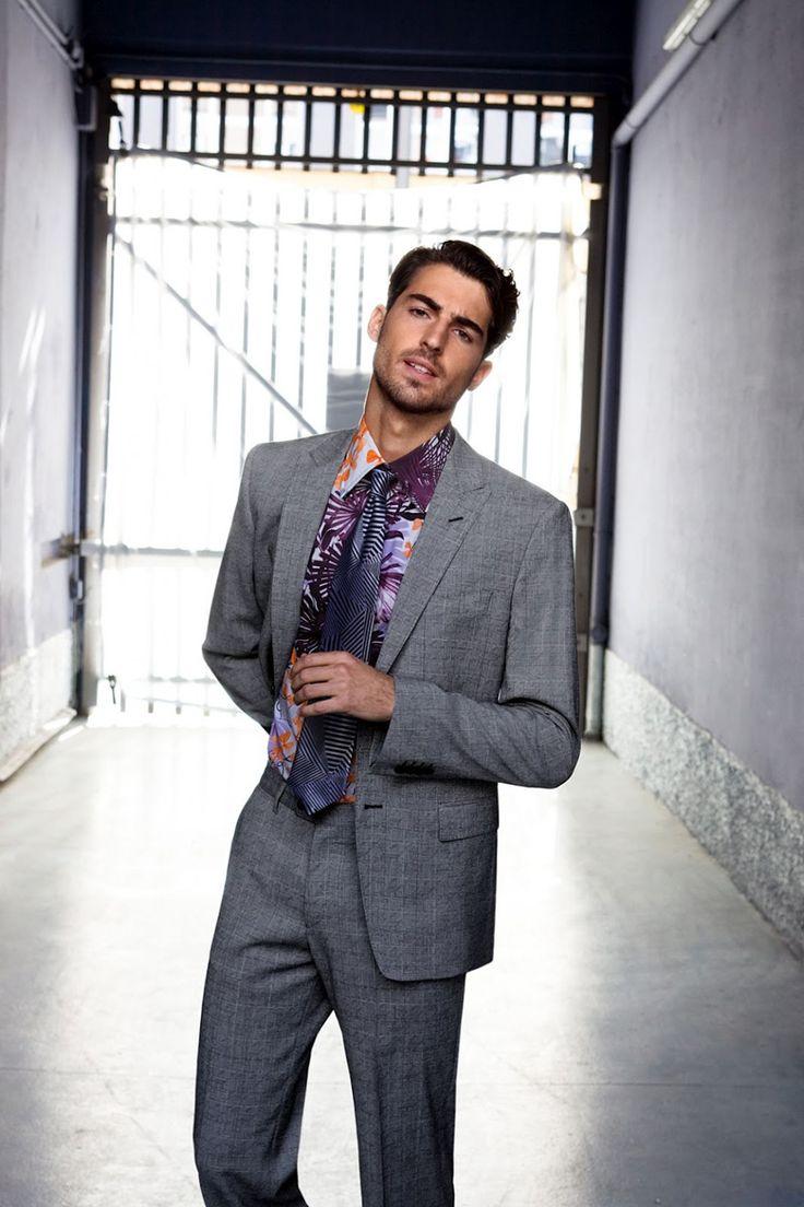 Antonio Navas Goes Supernatural for Versace Collection Spring/Summer 2012 Lookbook - | der lederen jas!!!!