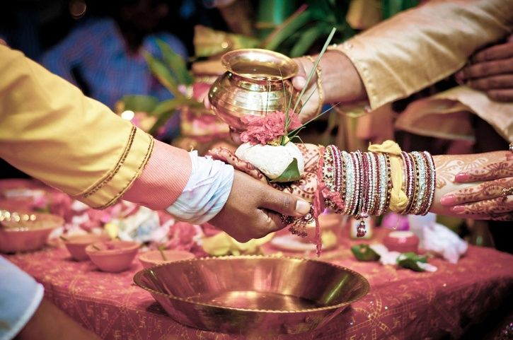 10 Sexist Indian Marriage Customs That Need To Be Banned. #Wedding #WeddingCustoms #Ban
