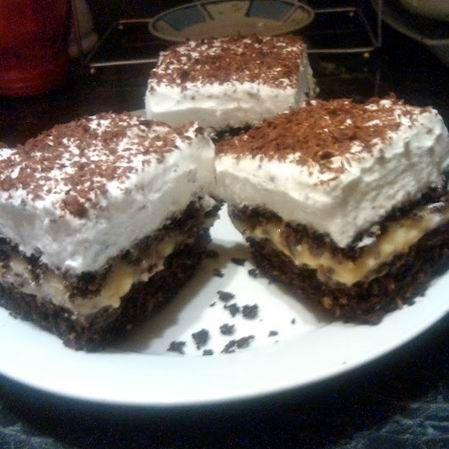 Egy finom Kakaós-kókuszos bögrés szelet vaníliakrémmel ebédre vagy vacsorára? Kakaós-kókuszos bögrés szelet vaníliakrémmel Receptek a Mindmegette.hu Recept gyűjteményében!