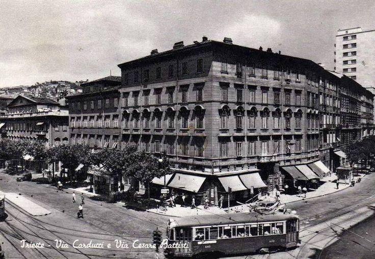 Via Carducci-Via Battisti anni 60