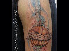 "Onion and knife color tattoo, tatuaje de cebolla y cuchillo a colores by Tattooist Castro ""King of Queens"""
