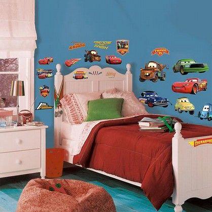 Wall stickers med alle de sjove og flotte biler fra Disneys Cars.