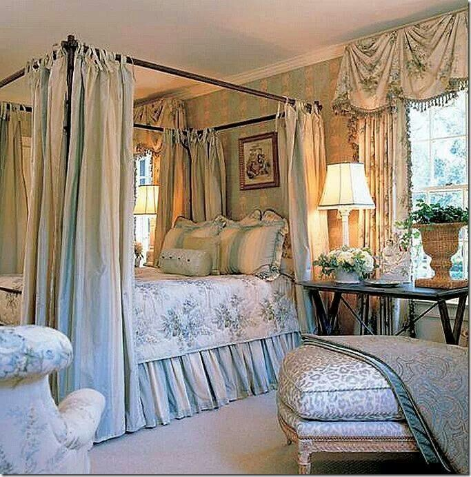 Elegant Bedroom That Reminds Me Of The Dan Carithers Style Traditional 4poster Bed With Layers