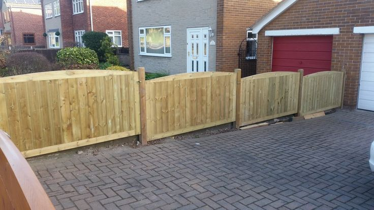TGV inlaid top quality pressure treated tanalised anti rot vertical cladding fencing fence panels with timber posts