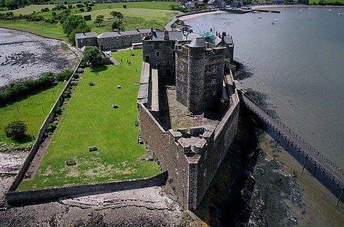 "Blackness Castle (Fort William) | 14 Scottish Places All ""Outlander"" Fans Must Visit"