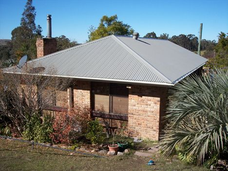 Tranquil rural residence near Clarencetown NSW - Roof in Colorbond Bushland and gutter and fascia in Colorbond Evening Haze