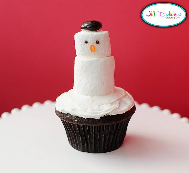 cute treat for winter party: Cakes Mixed, Holidays Cupcakes, Winter Cupcakes, Snowman Cupcakes, Christmas Snowman, Christmas Ideas, Christmas Cupcakes, Amanda Parties, Winter Ideas