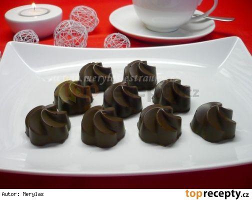 Čokoládové pralinky • s banánovou náplní
