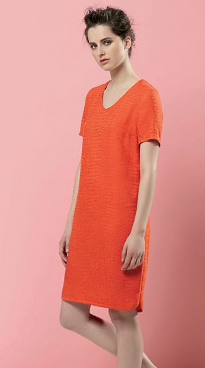 This semi-fitted shift dress is perfect for practising key techniques such as inserting facings, sleeves and a concealed zip. The hem is finished with a narrow band of self fabric bias binding as a mini facing. There is also a choice between a high or V-neck and the pattern can be shortened to make a T-shirt variation. The casual style means minimal fitting for a fuss-free garment that will flatter most figures.