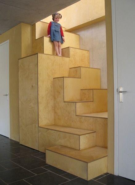Jeroen Apers • architect • blog — Een sculpturale en spannende trap met kast, naar...