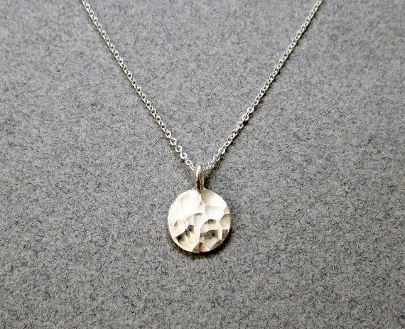 Sterling Silver Circle Necklace / Hammered Silver Disc Necklace / Dainty Simple Silver Necklace / Minimalist Jewelry