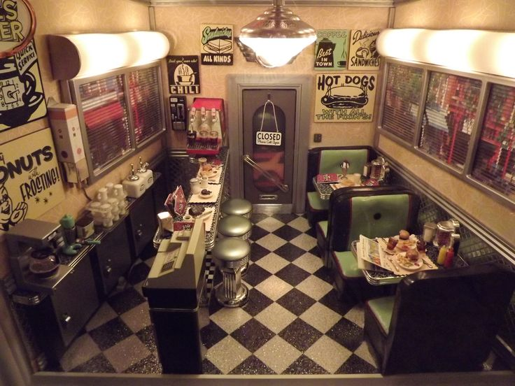 I want a kitchen that makes me feel like I'm in a 50's diner:)