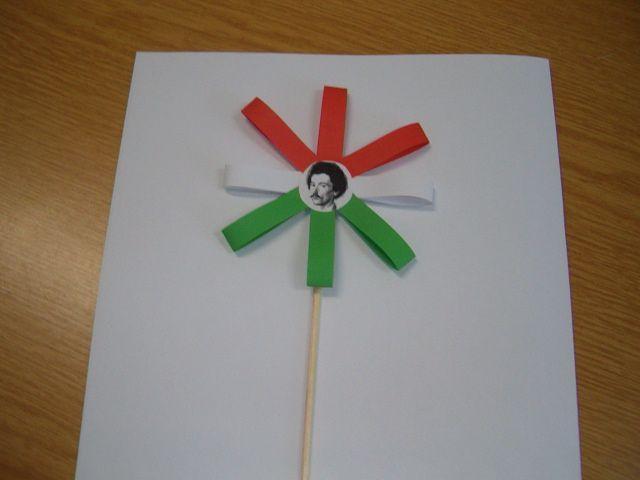 piros-fehér-zöld Petőfi virág