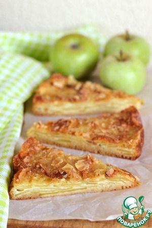 Нежный яблочный пирог с хрустящей корочкой. теста почти нет в пироге, потому что яблоки впитывают в себя все тесто, получается что-то вроде яблочного облака с хрустящей корочкой