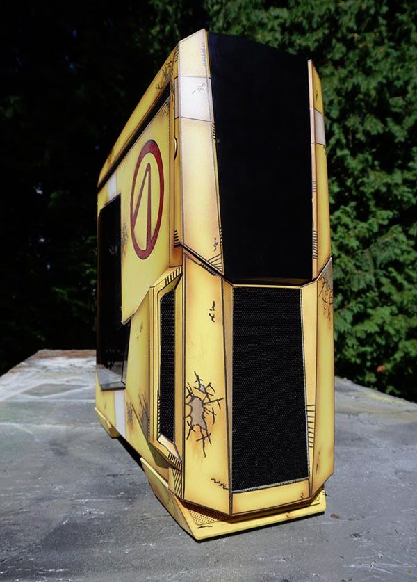 This 'Borderlands' PC Case Is Claptrapular