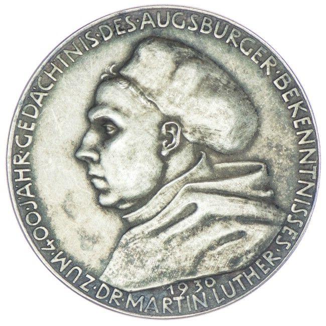 Medaille 1930 auf die 3. Säkularfeier der Augsburger Konfession, Med: K. ROTH, Av: Büste des Martin Luther links im Mönchshabit, Rv: Stehender Luther im Mönchsgewand zwischen 6 Zeilen Schrift
