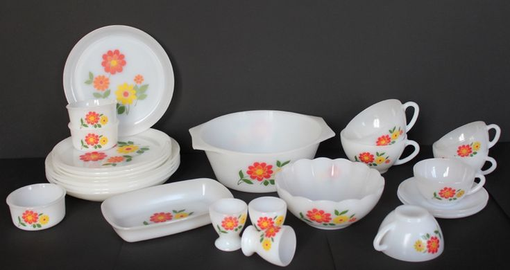 Vaisselle-Arcopal-vintage