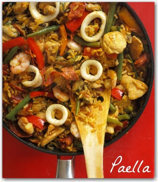 A taste of Summer: easy, tasty and healthy Paella recipe - the whole family will enjoy making and eating together.
