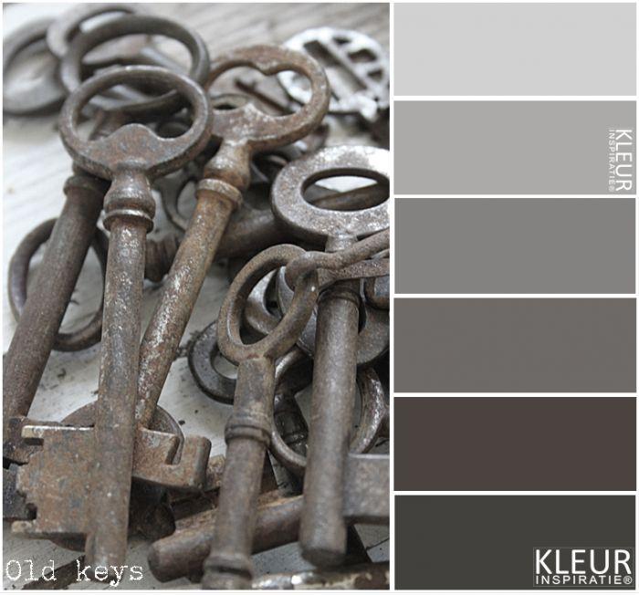 OUDE SLEUTELS - Kleurenpalet grijs / bruin. Brocante sleutels