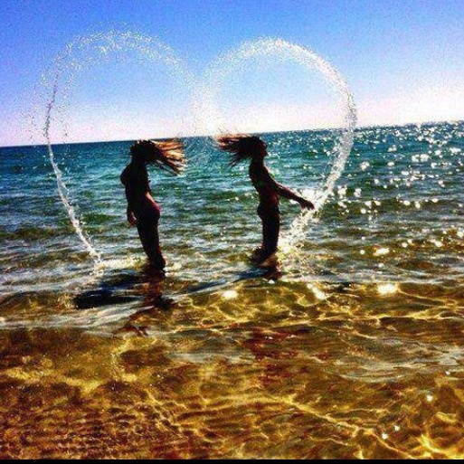 Cute best friend picture! Going to do this with my friends for our photo shoot this summer!