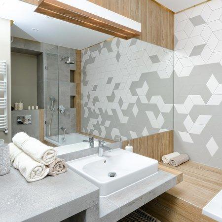 Jakie lustro wybrać do małej łazienki?