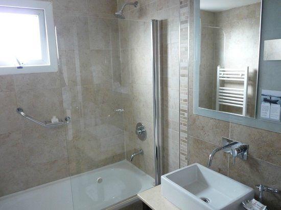 banheira e chuveiro juntos  Google Search  Banheiros  Pinterest  Pesquisa -> Banheiro Pequeno Com Banheira E Chuveiro Juntos
