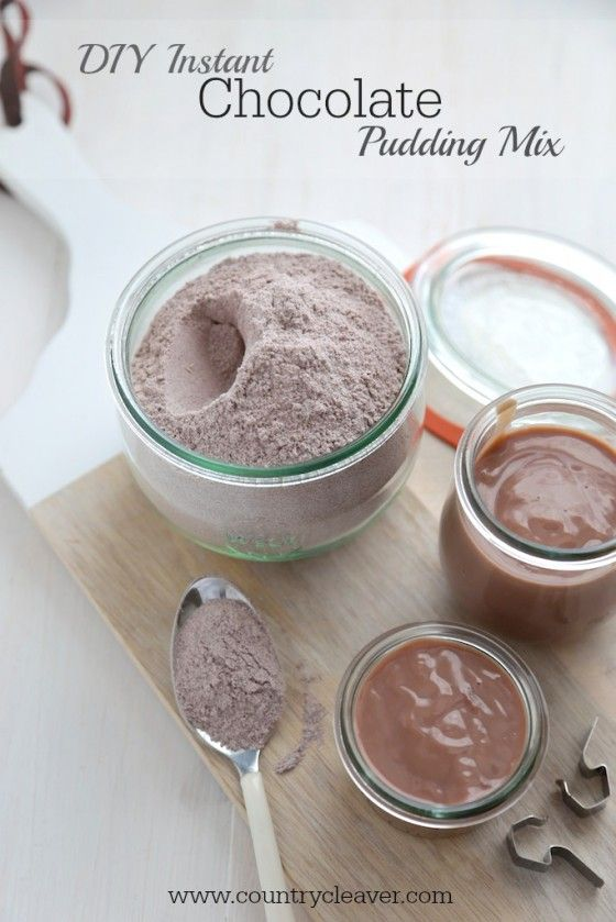 DIY Instant Chocolate Pudding Mix - www.countrycleaver.com With only 5 ingredients that you already have in your cupboard!!