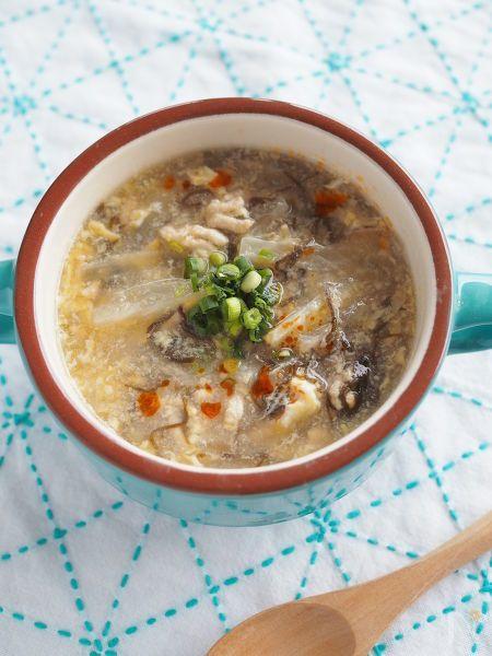 市販のもずく酢を使って簡単にサンラータン風スープを作ります。  短時間で仕上がりのどごしも良いので朝食にもお勧めです!
