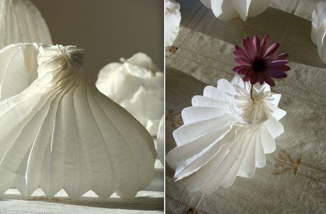 lampade di carta-paper lamp-shade- origami lamp-vaso di carta -paper vase- eco design