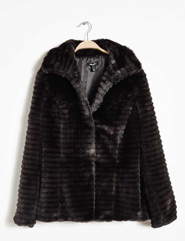 Manteau fausse fourrure noir femme • Jennyfer