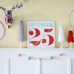 Embroidery Hoop Christmas Wall Decor, super cute Christmas mantel with affordable DIY decor tips!