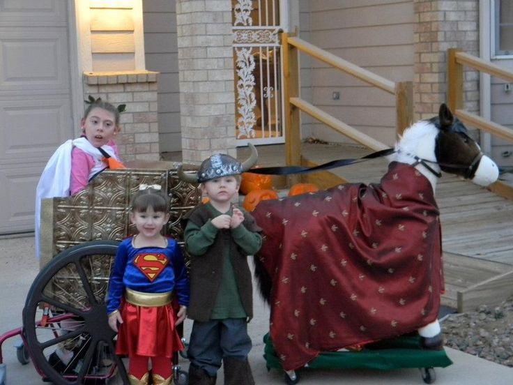 Family Builds Amazing Halloween Costumes Around 12-Year-Old's Wheelchair (PHOTOS)