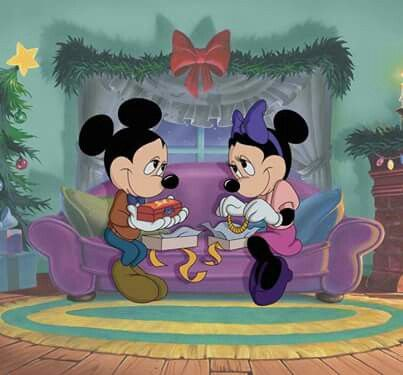 How long has minnie and Mickey Mouse been dating