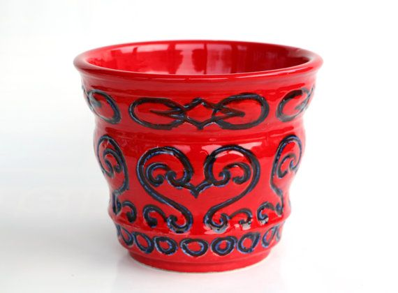 Hoi! Ik heb een geweldige listing op Etsy gevonden: https://www.etsy.com/nl/listing/262323732/west-german-pottery-planter-large-red