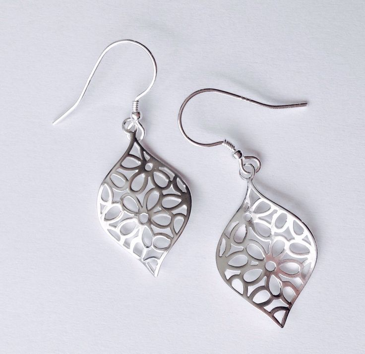 Diamond shaped flower earrings from my Etsy shop https://www.etsy.com/listing/482320544/flower-dangle-drop-earrings-sterling. #handmade #earrings #silver