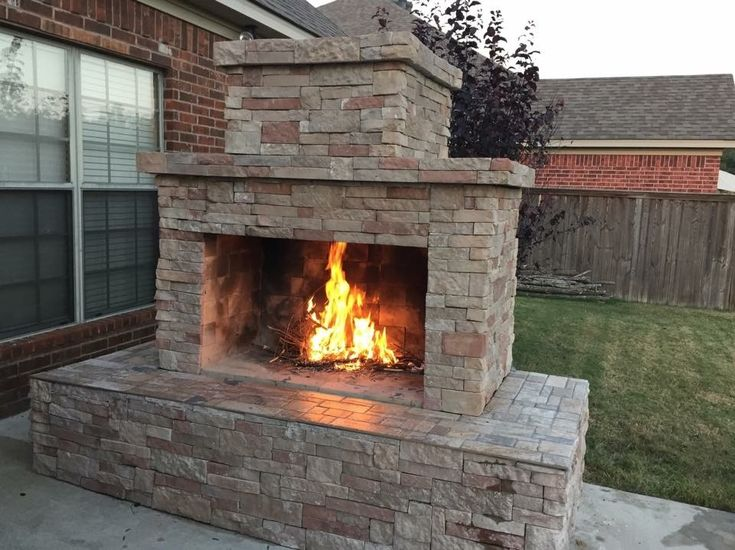 DIY Outdoor Fireplace (Pima II) #diy #outdoorlife #outdoors #outdoorliving #outdoorfireplace #masonry #landscape #fireplace #kitchen #outdoorkitchen #outdoorcooking ##backyardideas #backyardflare #pizzaoven #pizza #fireplace