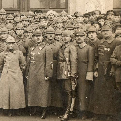 Officers and soldiers of the Red Army, 1922-25.
