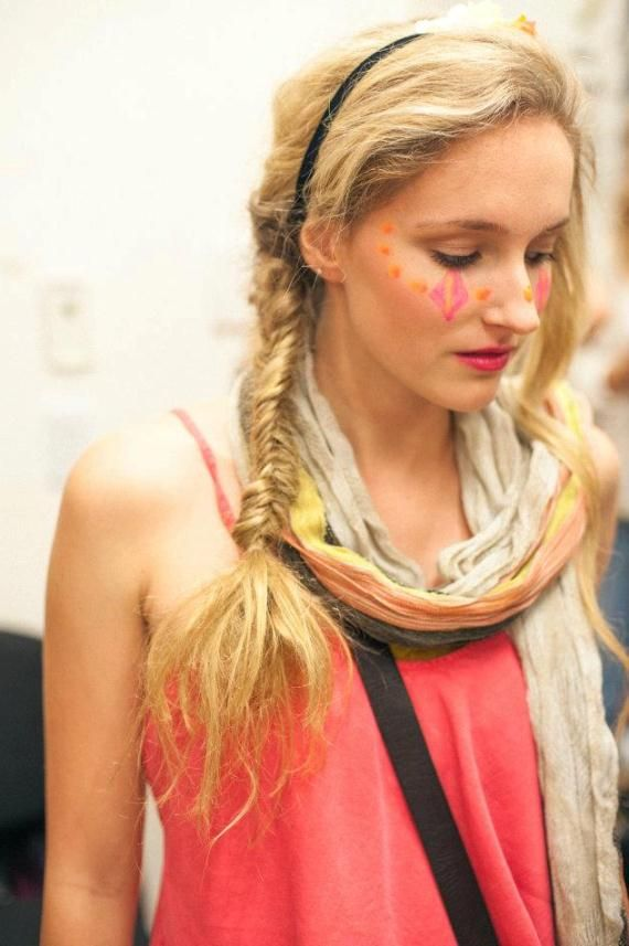 fishtail braid + light scarf + coral top