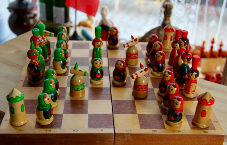 Vintage Original Hand Painted Soviet Chess Set from Riga-Latvia - 1980's - Made in USSR, Schachspielset aus der UdSSR von SovietGallery auf Etsy