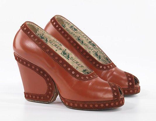 Herman Delman for Bergdorf Goodman leather pumps, ca. 1937-1939