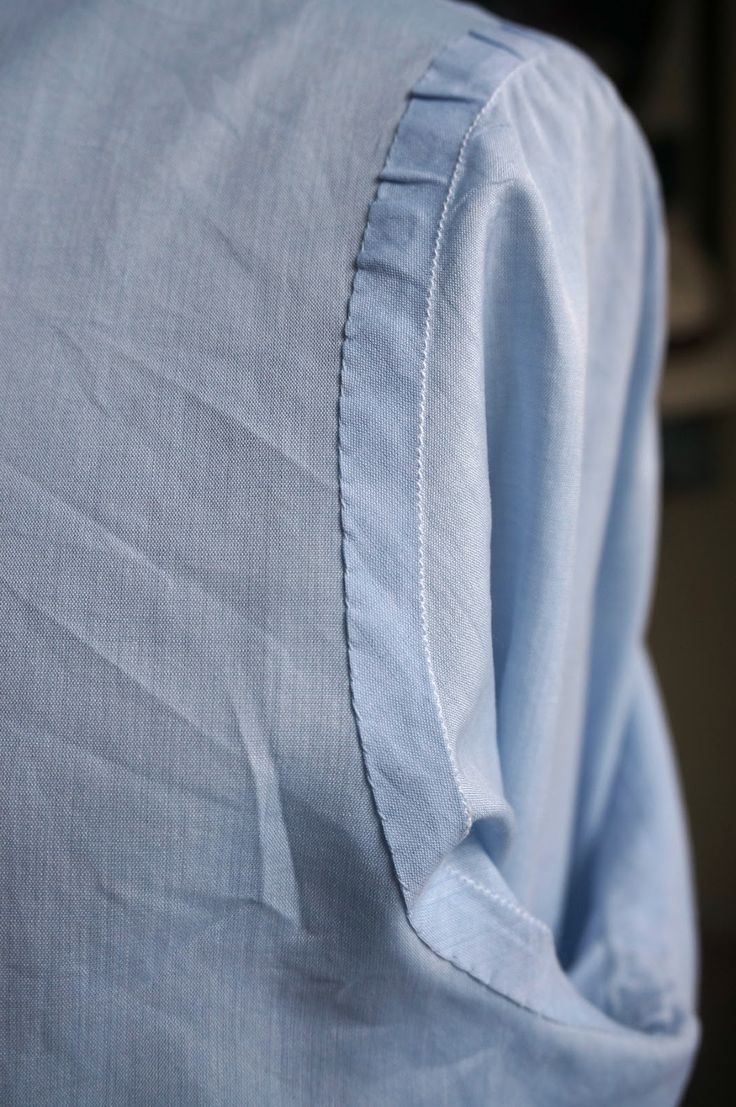 Satriano Cinque: Bespoke shirt review - Permanent Style. This is a custom armhole seam finish. Nice!