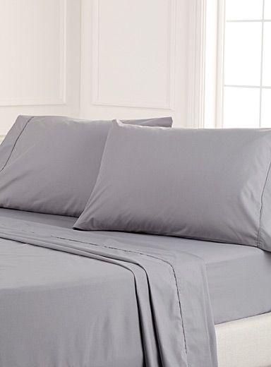 ensembles de draps et taies d 39 oreillers en ligne au qu bec simons id es cadeaux pinterest. Black Bedroom Furniture Sets. Home Design Ideas