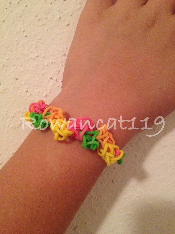 This is a Zig Zag Pride Pattern Rainbow Loom rubber by Rowancat119, $6.50