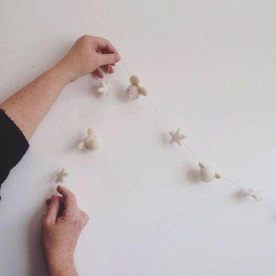Guirlande Petits Animaux Et Étoiles-185 cm. Blanc par kioukiout