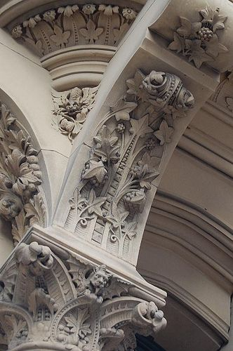 Victorian building architecture│ University of Manchester, England
