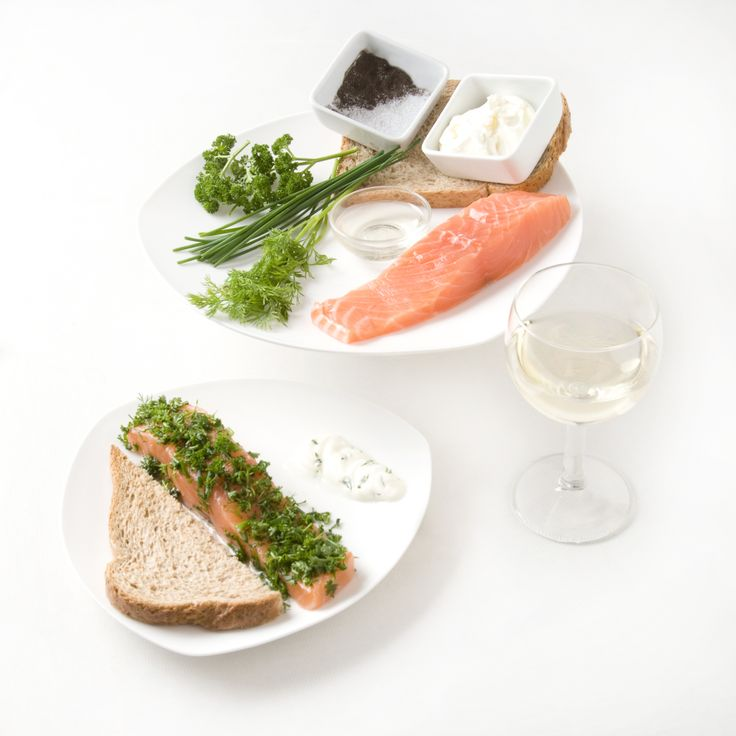 Zalm, brood en een glas wijn, dat is afslanken volgens Bea! http://www.beas-webwinkel.nl/feestje