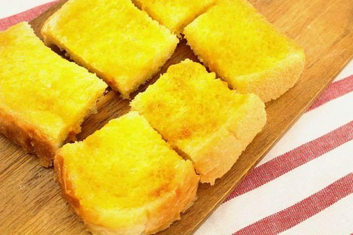 【日曜日の実験室】レンジでお手軽ラスク--味付けは粉末スープで! - パン [えん食べ]