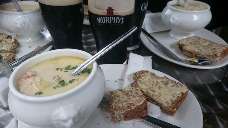 6/10, €5.95: too salty, not creamy enough, too cooked so the fish are in many small pieces. Salmon, cod, small prawns, potatoes. Basic bread.Nice place and waiter though. The Long Valley in Cork, Co Cork