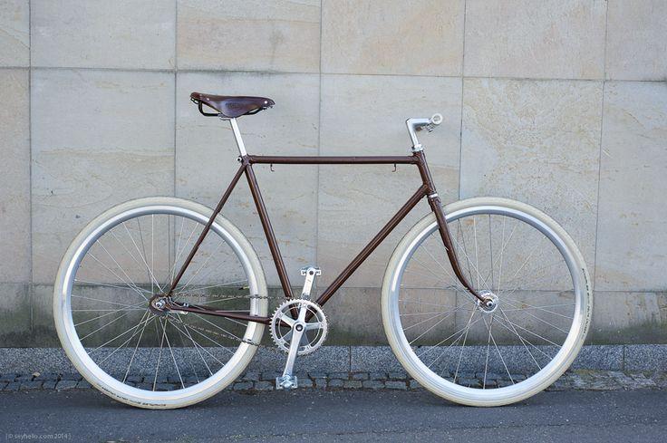 Czech Favorit recycled / Brooks / Sturmey Archer / Schwalbe ... www.kolastus.cz